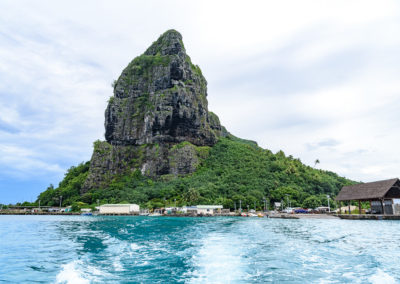 5. Port de Maupiti